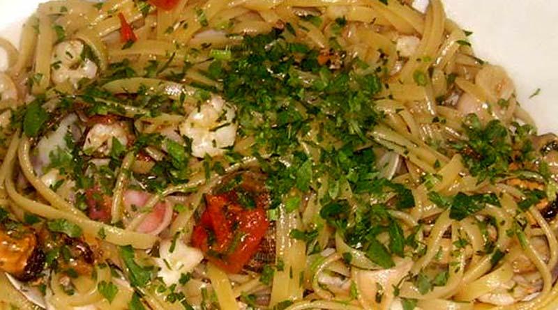 Ricetta siciliana bavette ai frutti di mare sicilia for Volantino acqua e sapone sicilia